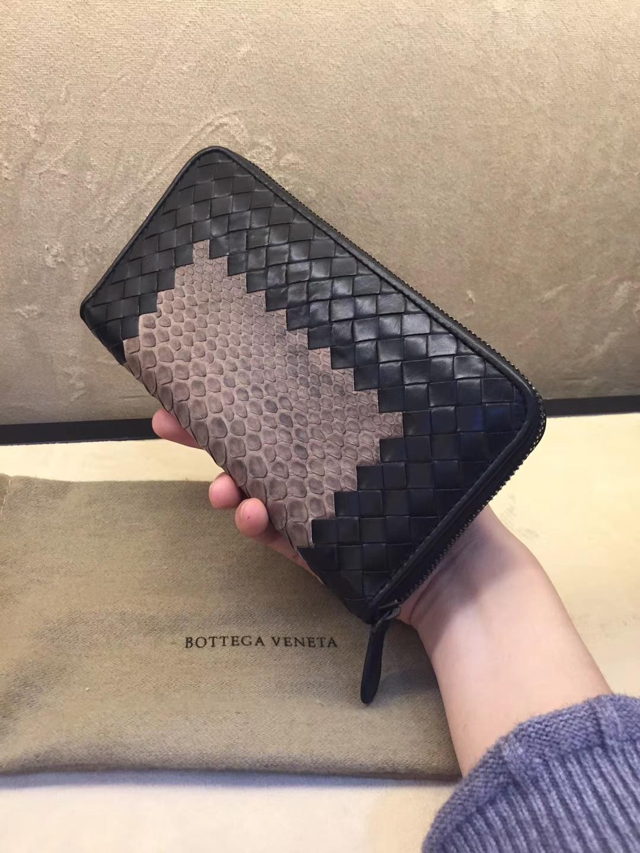 Bottega Veneta 宝缇嘉 顶级胎牛配蟒蛇皮 19cm
