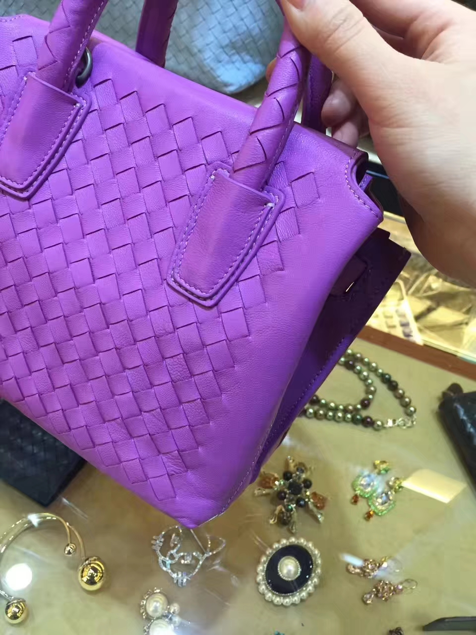 Bottega Veneta 宝缇嘉 2258女士新款小包 20*11*17 精致小巧 可手提 可肩背