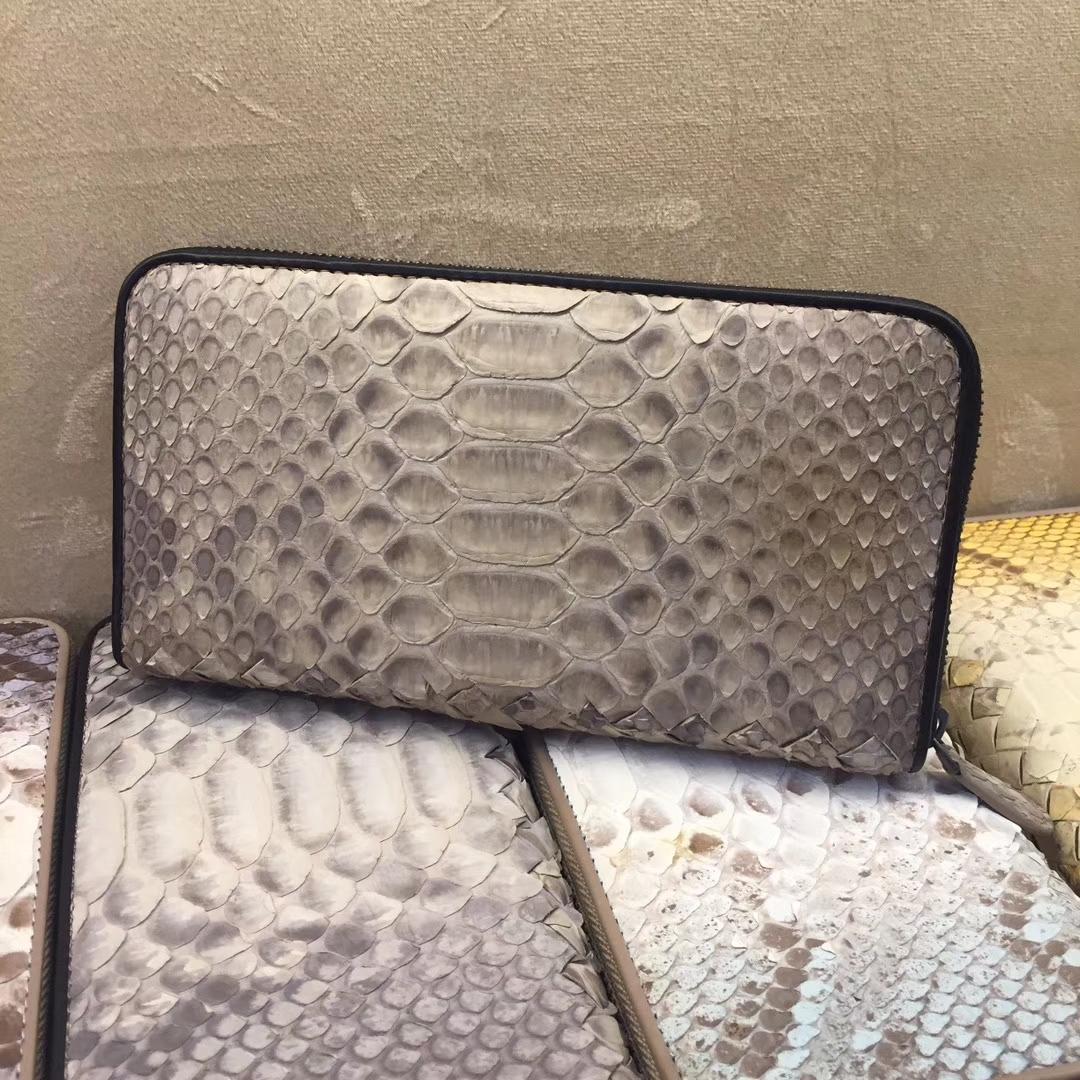 Bottega Veneta 宝缇嘉  拉链款, 蟒蛇皮  19cm