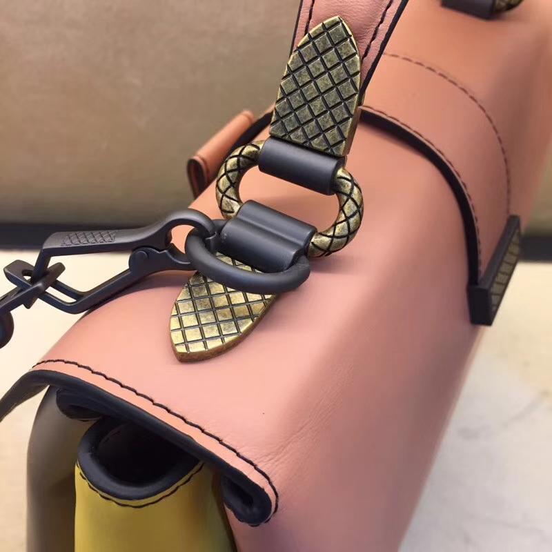 女士斜背包 手提包 Bottega Veneta 宝缇嘉 顶级胎牛 夏天小清新 粉色拼灰色 双色双面肩带