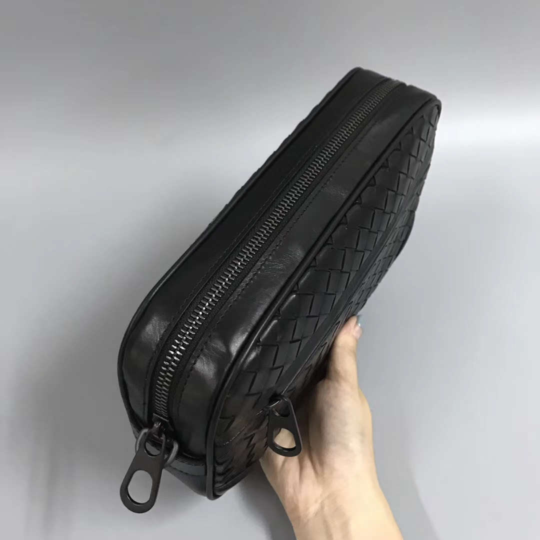 Bottega Veneta 宝缇嘉 2220 男士手包 顶级胎牛皮  23*4*14cm
