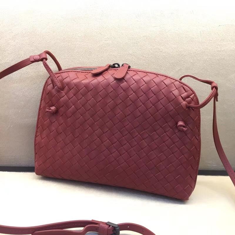 厂家直销 Bottega Veneta 宝缇嘉 进口小羊皮 姚笛款 砖红色斜挎包