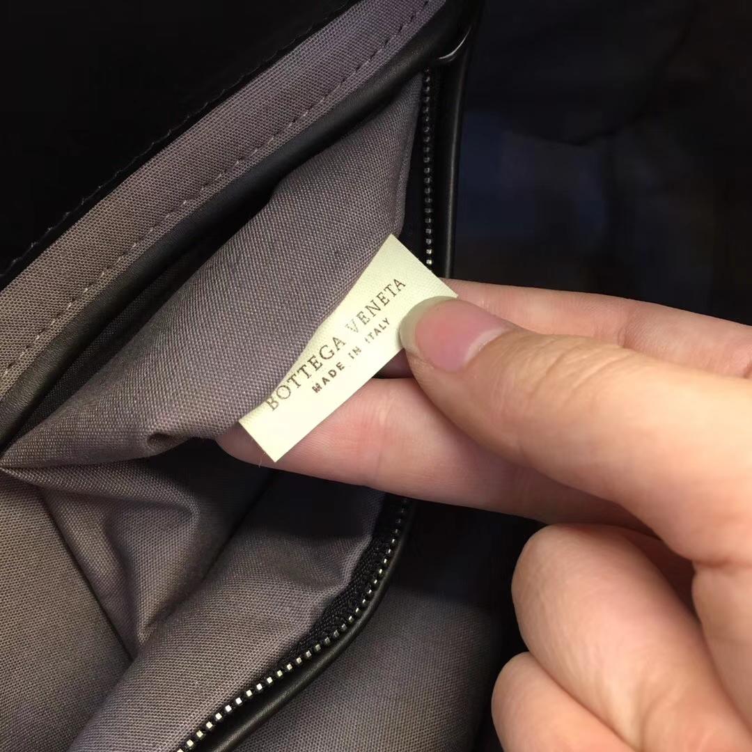 Bottega Veneta 宝缇嘉 2022信封大手包 男士手包 原版胎牛皮 拉链款
