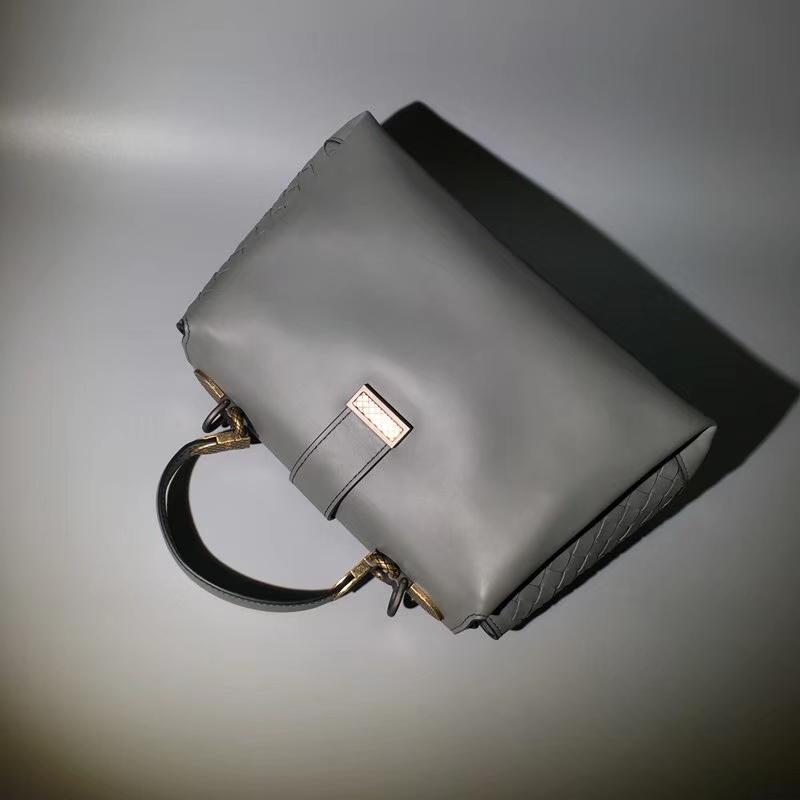 Bottega Veneta 宝缇嘉 2330 Piazza手袋 进口头层小牛皮 25*11*15cm