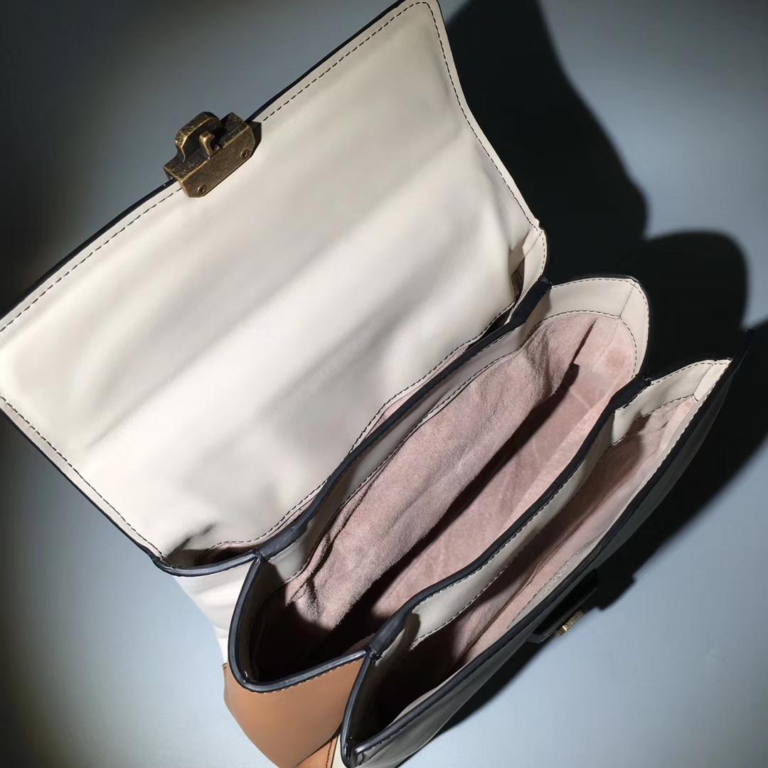 Bottega Veneta 宝缇嘉 2326 Piazza手袋 高级小牛皮 3个内部隔层25cm