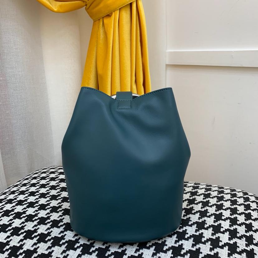 宝缇嘉最新款水桶包  顶级原版牛皮 内里全皮代购版本 墨绿色
