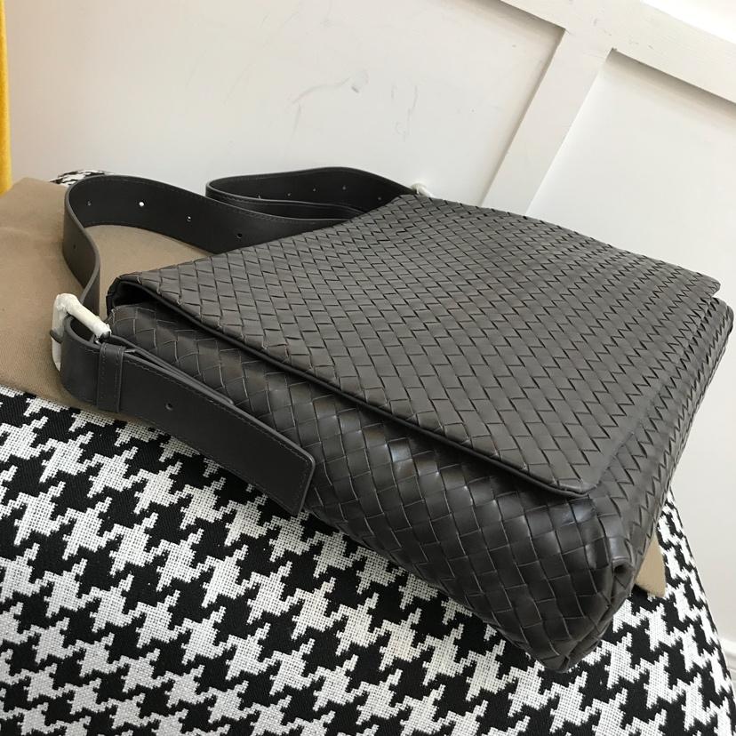 Bottega Veneta 宝缇嘉 代购版本7705顶级原版胎牛皮 经典休闲斜挎款