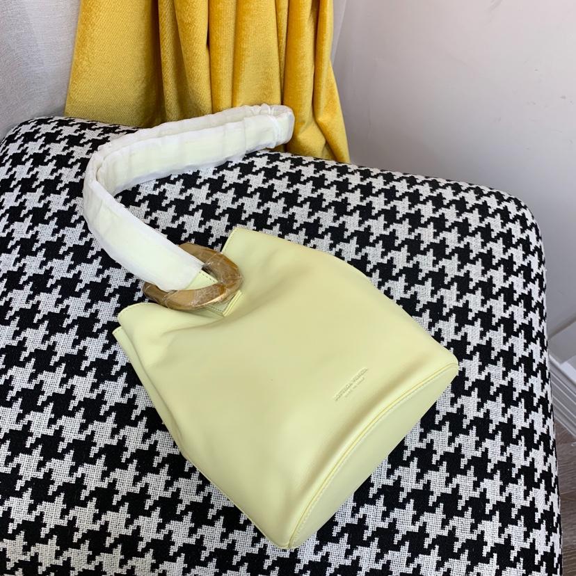宝缇嘉最新款水桶包  顶级原版牛皮 内里全皮代购版本 黄色