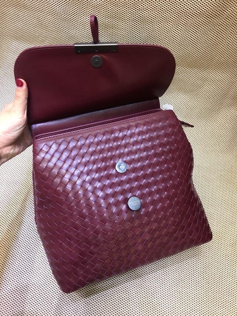 宝缇嘉 代购版7783顶级原版胎牛皮 女款双肩包 纯手工编织款 酒红色