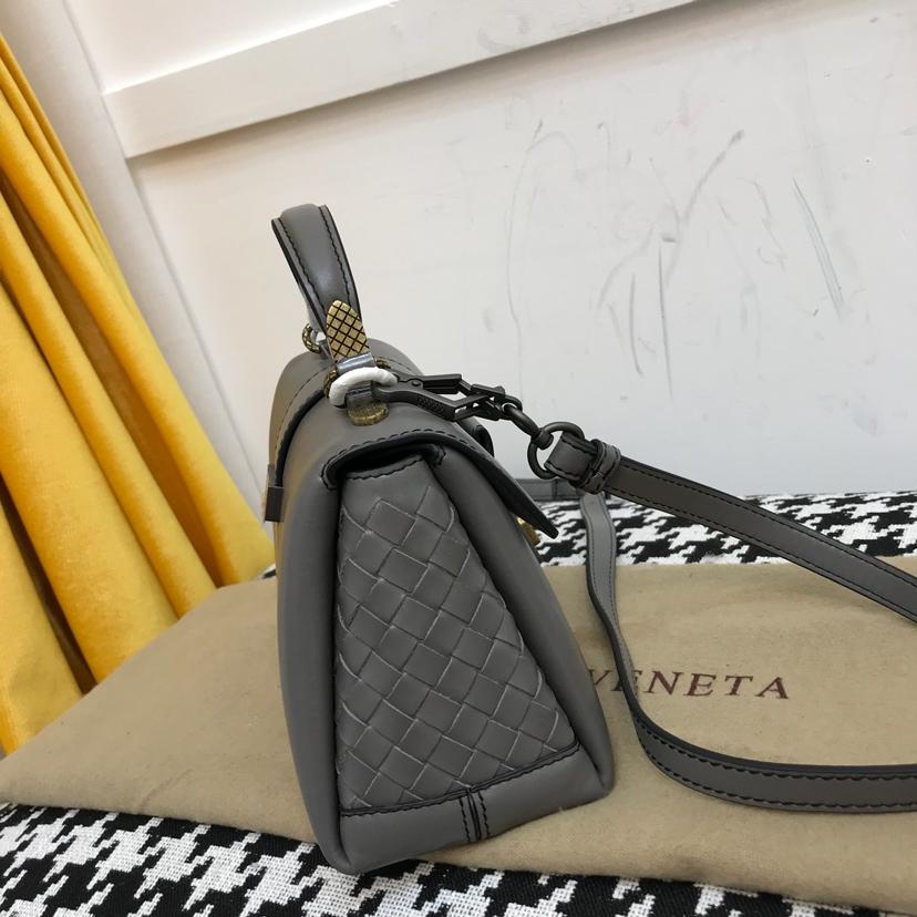 BV 代购版9221 mini 蓝色 Piazza 系列 NAPPA小羊皮迷你款 20cm*13cm*8cm