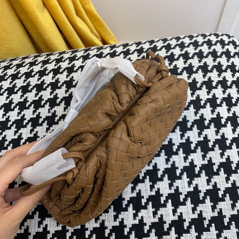 BV代购版云朵包 Pouch手拿包 小号22*12*7cm 顶级原版羊皮 手工编织 内里全皮