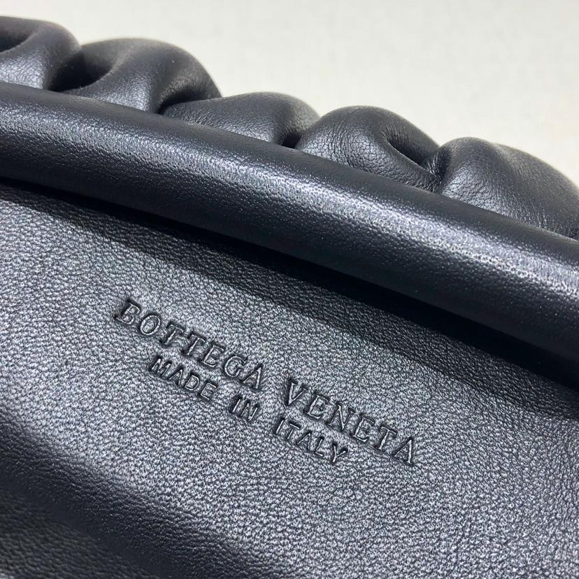 BV代购云朵包Pouch手拿包大号 顶级原版小牛皮 内里全皮 38*20*8.5cm