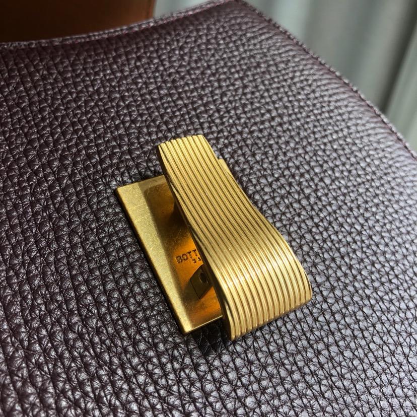 BV代购版0108 最新款预热 顶级原版牛皮 里外全皮 16*18*6cm