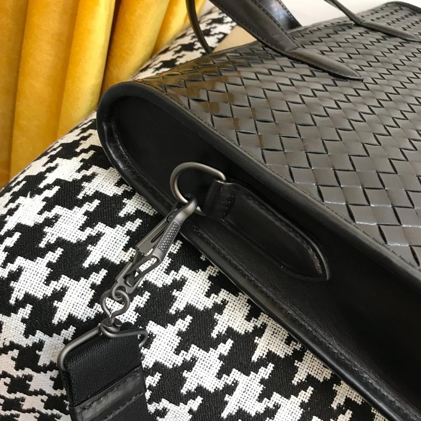 BV 代购版本6921顶级原版胎牛皮 最新款男式手提包 39cm