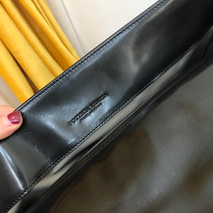 BV 代购版本6953 顶级原版胎牛皮 内里进口布料 高端大气 男士公文包 40cm