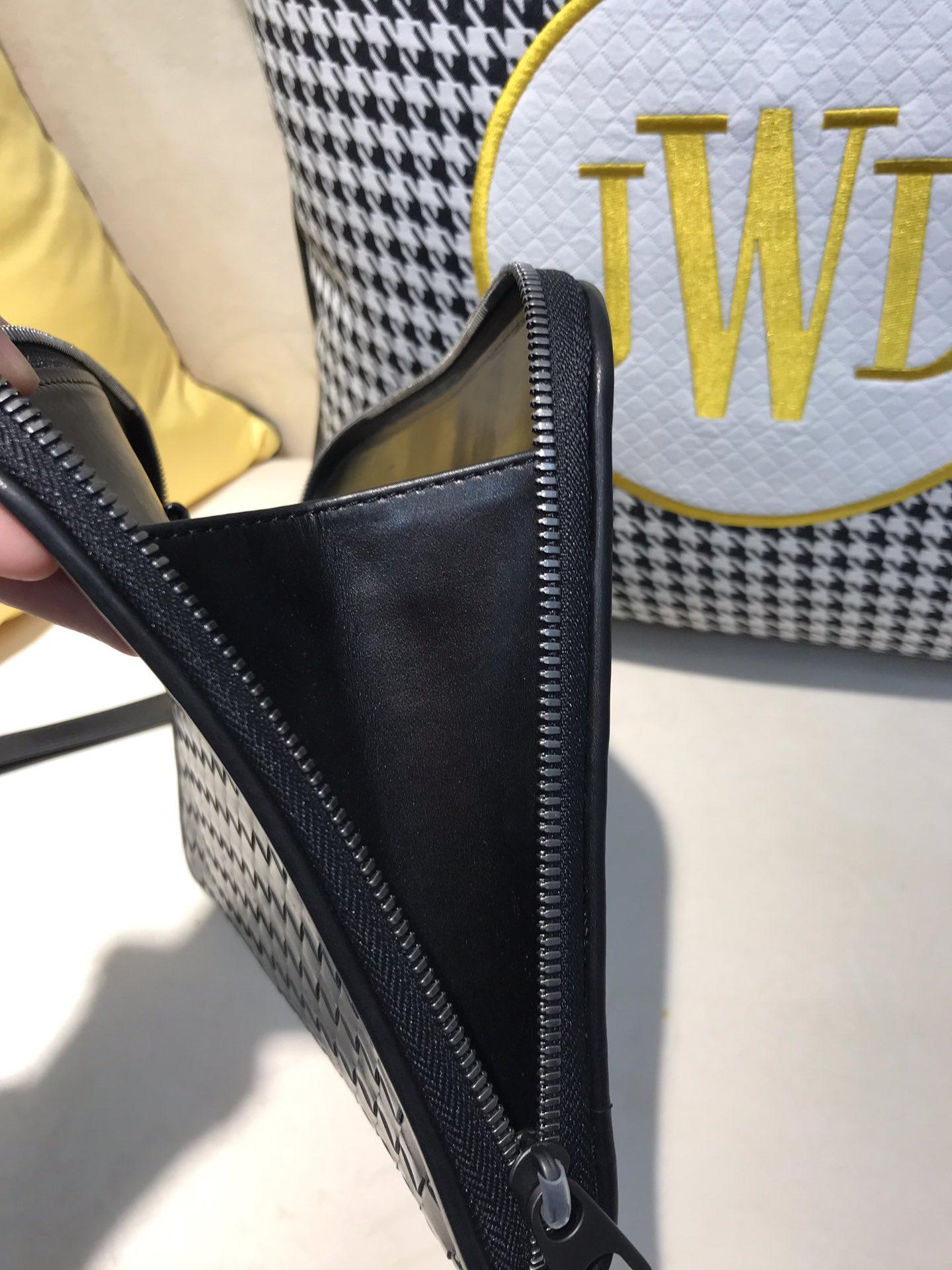 BV代购版7713 顶级原版胎牛皮 最新款男士手包 可卸掉手腕带