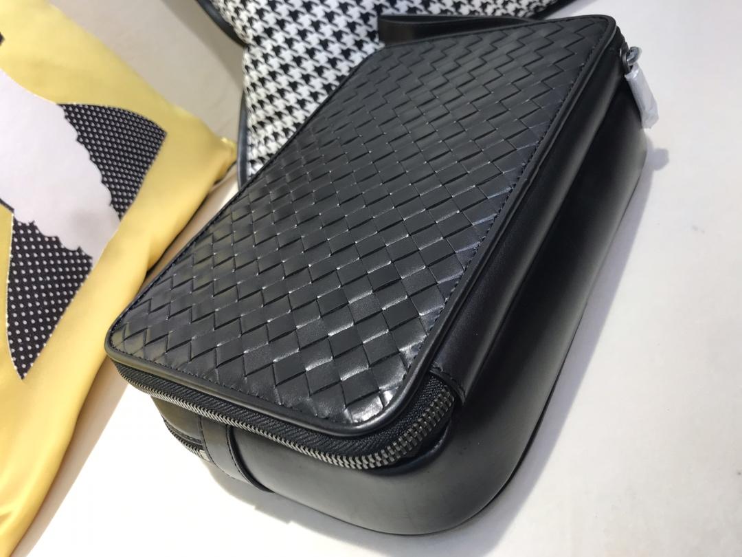 BV 代购版8817  顶级原版胎牛皮  男士新款手包 双层拉链 内里有卡位