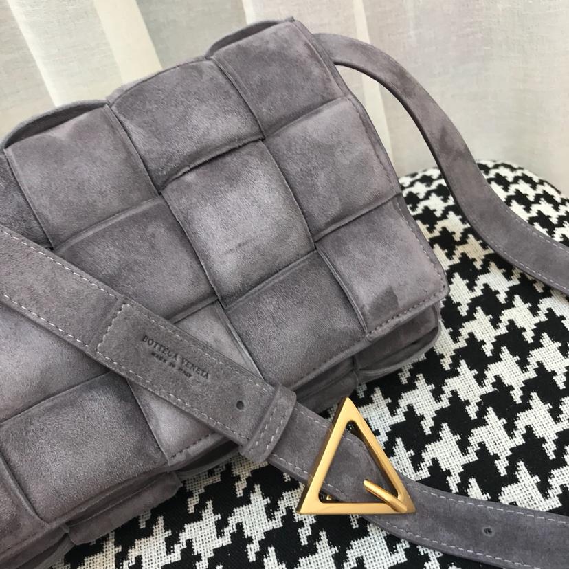Bottega Veneta 宝缇嘉 代购0106 磨砂系列 Cassettebag卡带包 25cm