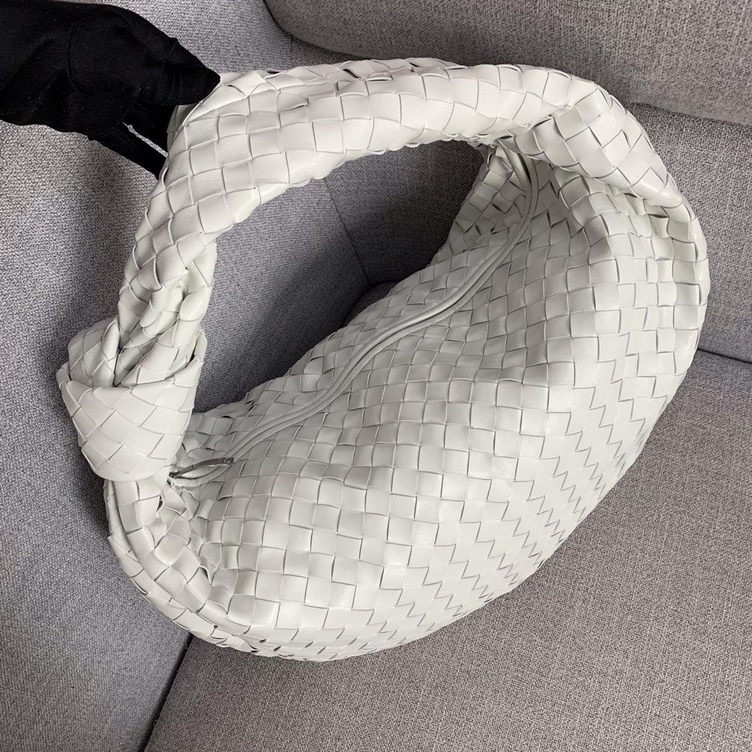 【P2370】宝缇嘉牛角包 现货 600263 编织羊皮 白色 54-21-40