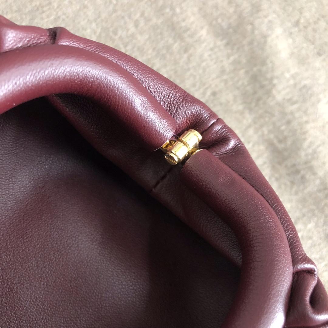 "【P650】BUTTER mini吊坠 人气同款 Mini ""小妖精"" 7.5x13.5x4 编码577816 牛皮/酒红色"