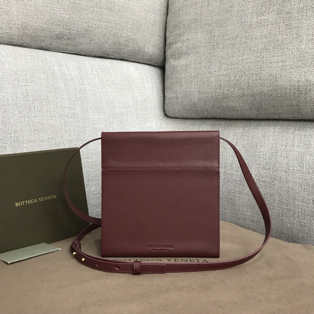 【P1200】Bottega新品 Dais硬盒包 18-19-5外牛皮/内羊皮酒红