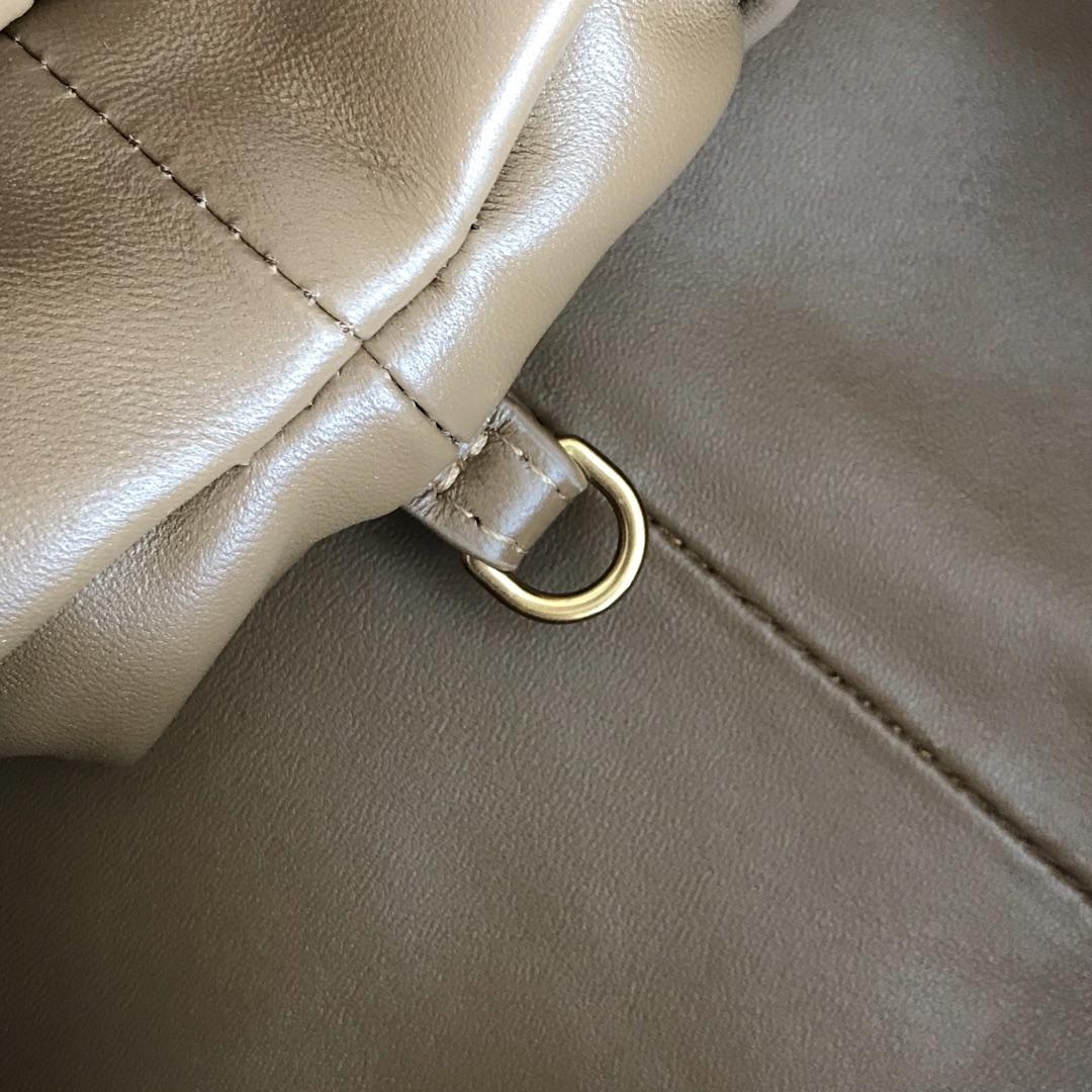 【P1800】B veneta云朵包 576227A羊皮编织/焦糖色大号 39-19-20cm