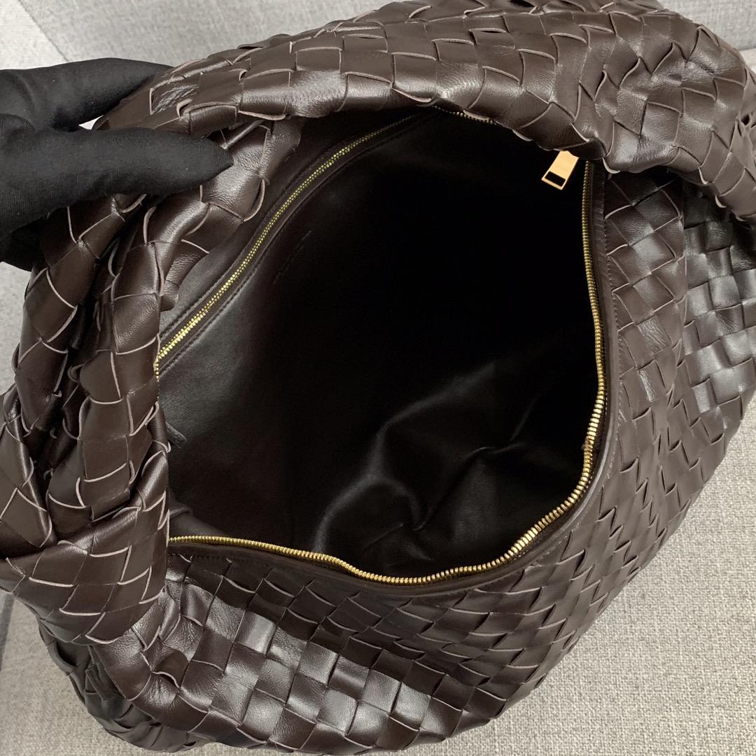 【P2370】宝缇嘉牛角包 现货 600263 编织羊皮 巧克力棕 54-21-40