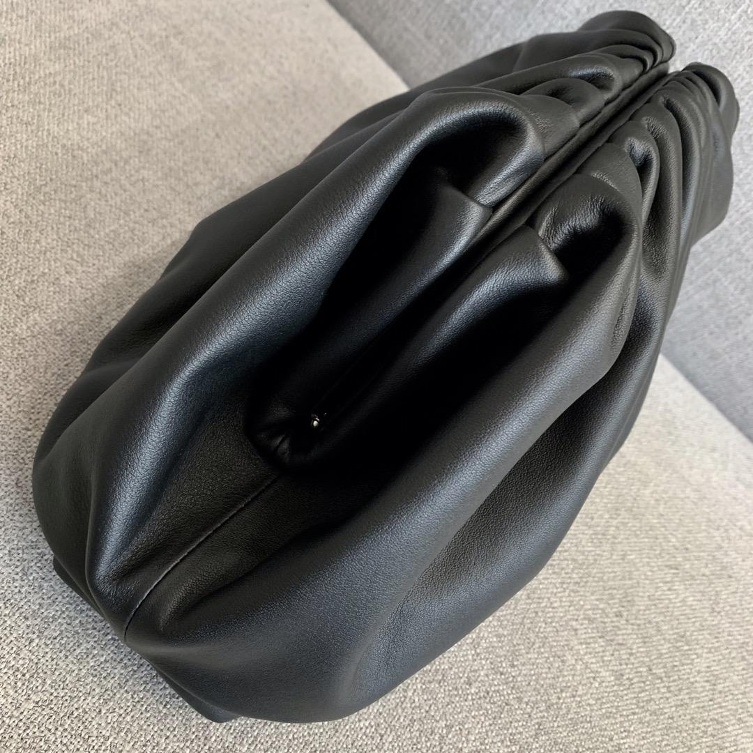 【P1880】B veneta 云朵包 576227 牛皮/黑色 大号 39-19-20cm