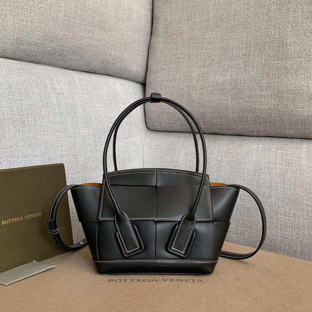 【P1430】Bottega Veneta Mini Arco购物袋 600606牛皮 平纹 黑色 袋口28 底17.5宽8高17(不含手柄)