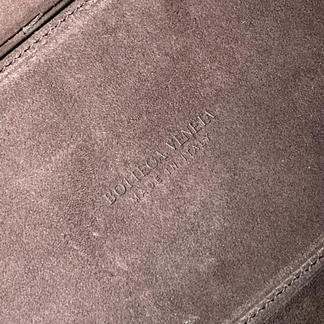 【P1800】BottegaVeneta 小牛皮SLIP托特手袋 猄皮深棕 36*24*12 内里外层不同色系搭配