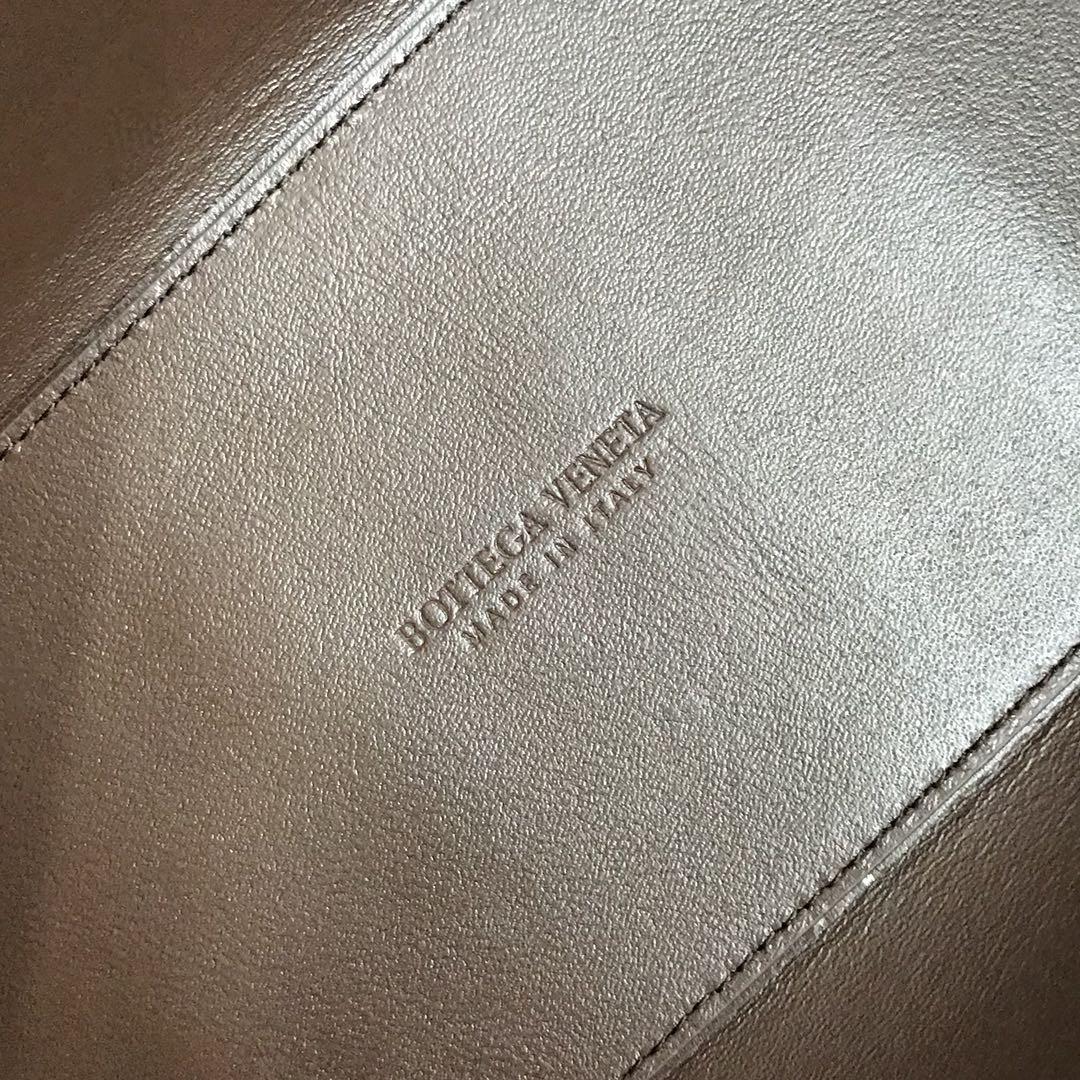 【P1800】BottegaVeneta 小牛皮SLIP托特手袋 羊皮枫叶红 36*24*12