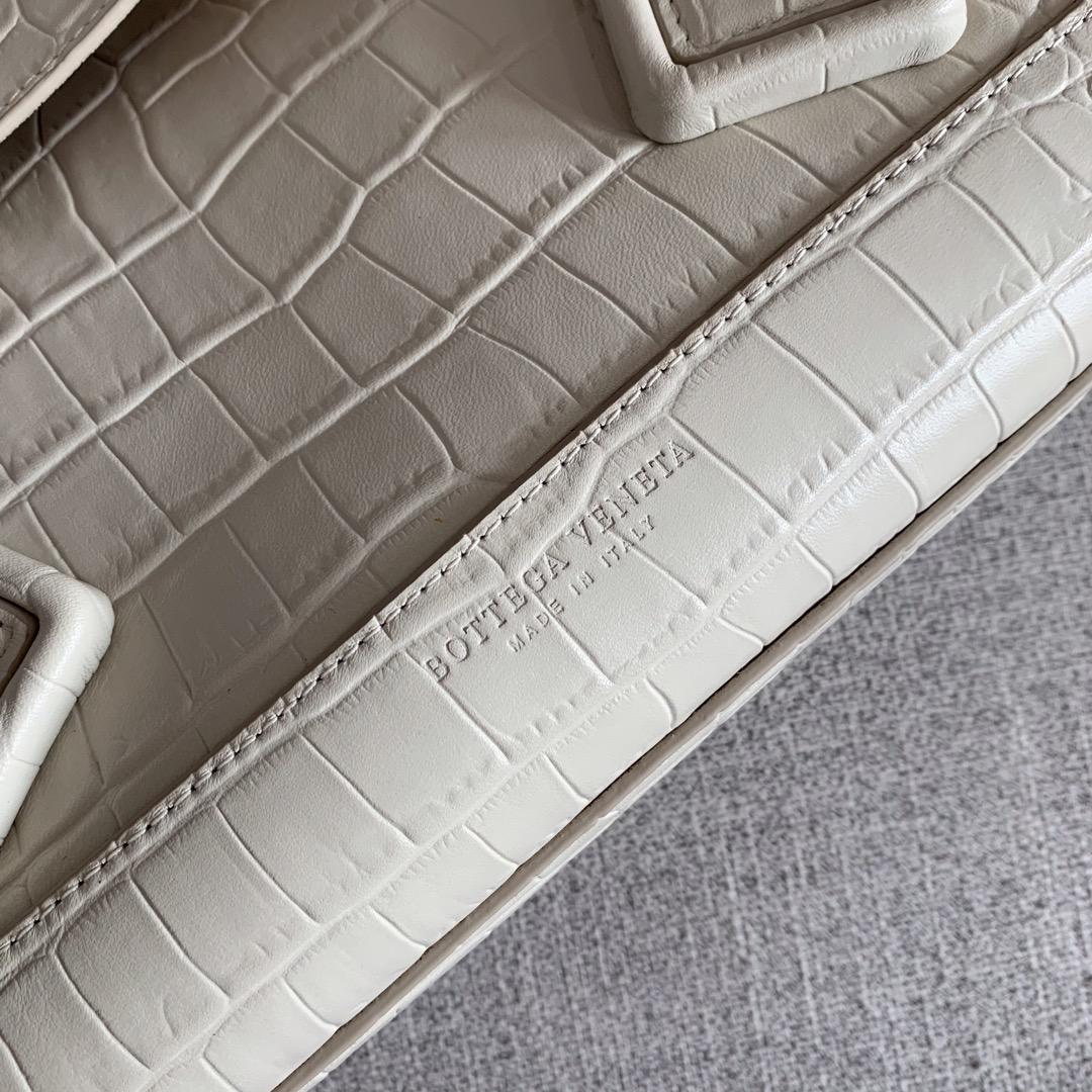 【P1800】Bv  big Arco 575941鳄鱼纹白色 大号尺寸:袋口48底32宽12高24(不含手柄)
