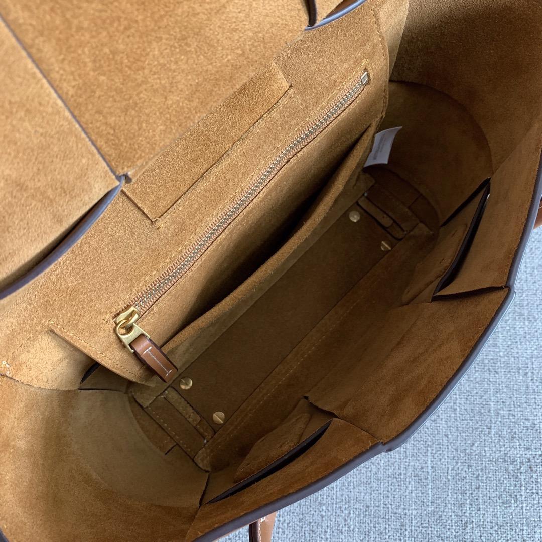 【P1730】Bv 小号Arco购物袋 575943 牛皮/平纹 土黄 袋口33 底22宽6高22 (不含手柄)