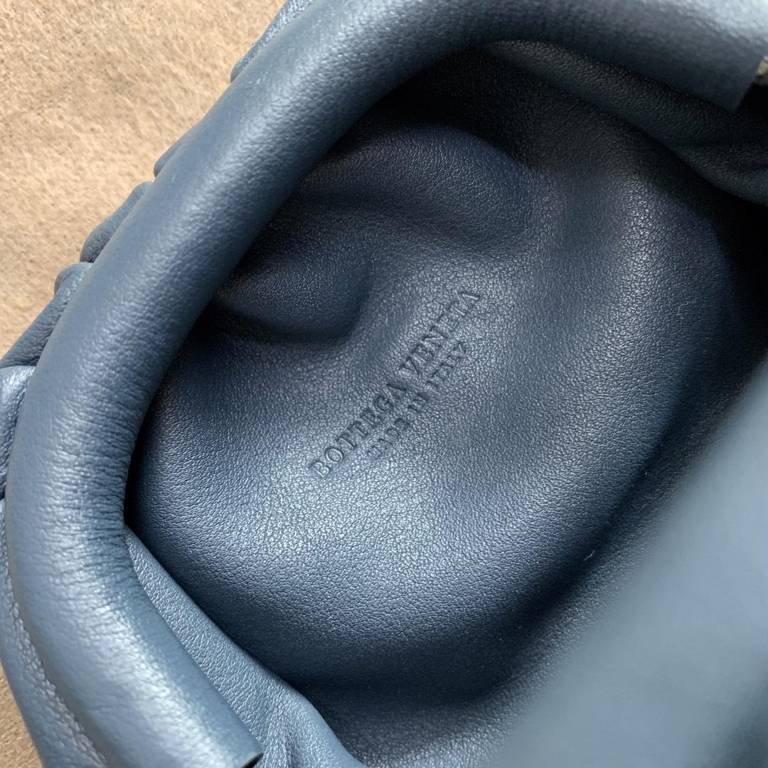 "【P650】BUTTER mini吊坠 人气同款 Mini ""小妖精"" 7.5×13.5×4 编码577816 牛皮/深蓝"