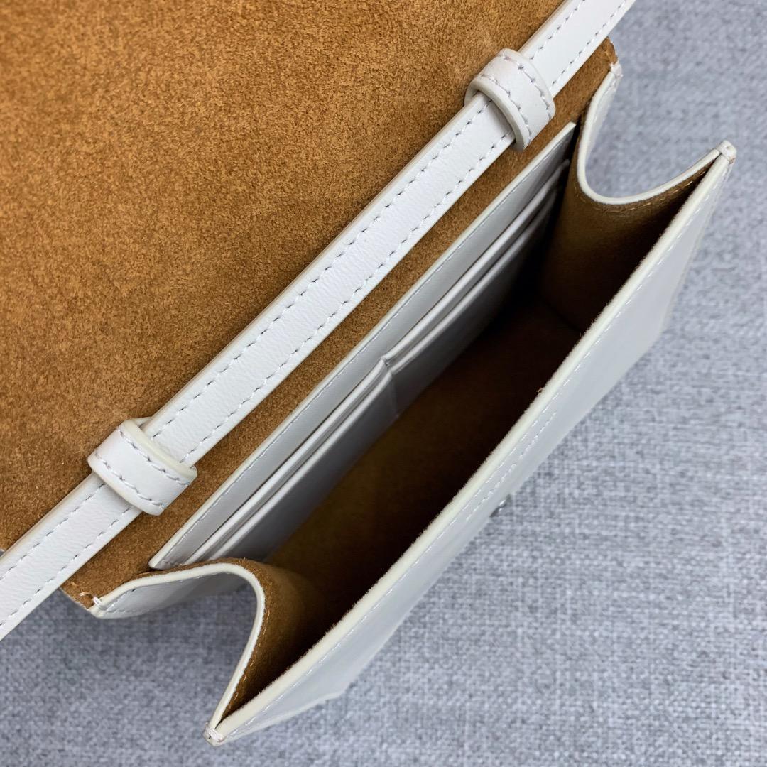 【P900】新款手袋CASSETTE 编织574051 尺寸16-13.5-8 羊皮/白色