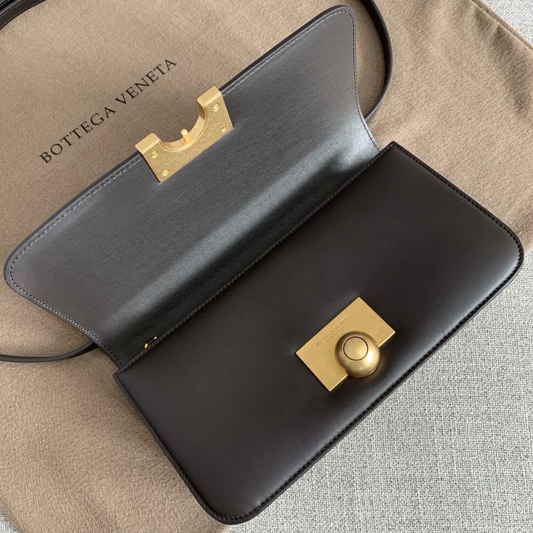 【P1320】BV新款 rondebag 587222平纹/牛皮内羊皮外牛皮咖啡色11×21×5