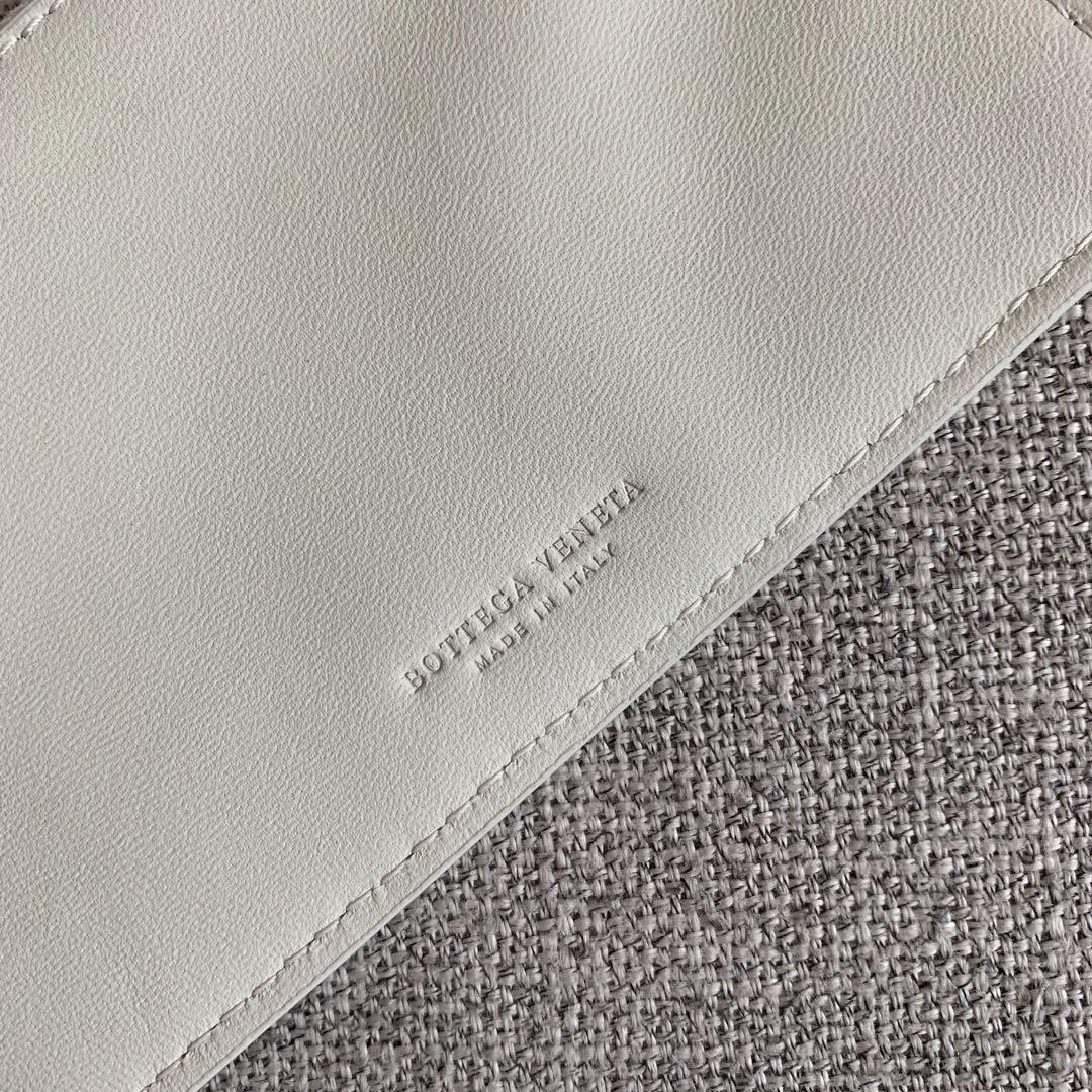 【P2850】BottegaVentea托特包 570800羊皮/白色 29-35-13