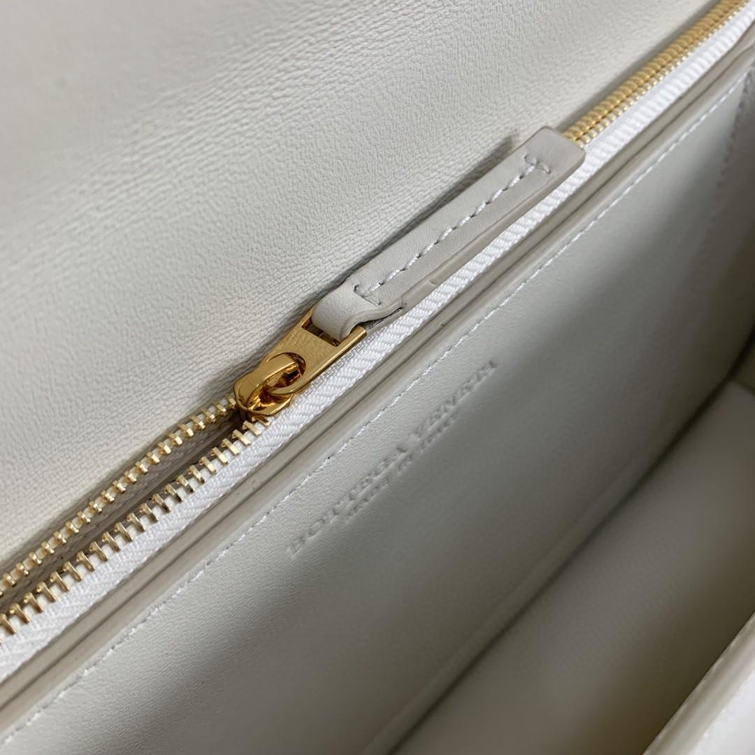 【P1580】BV 新款高级ronde bag 平纹/牛皮 内磨砂皮 白色 28-15-7