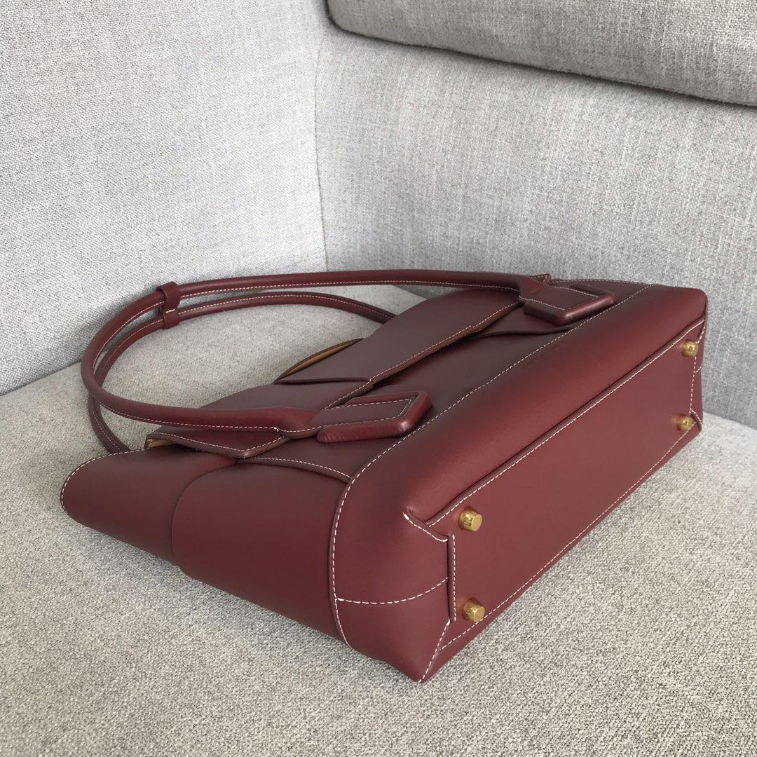 【P2400】Bv 中号Arco购物袋 575949 牛皮/酒红色 袋口:48cm 32-12-24cm