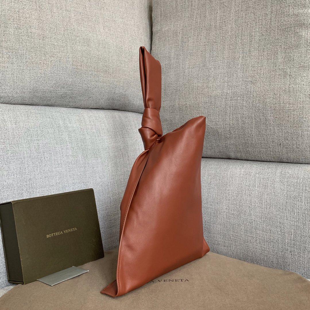 【P1650】Bottega Veneta 手包 607964 31-55-2枫叶红