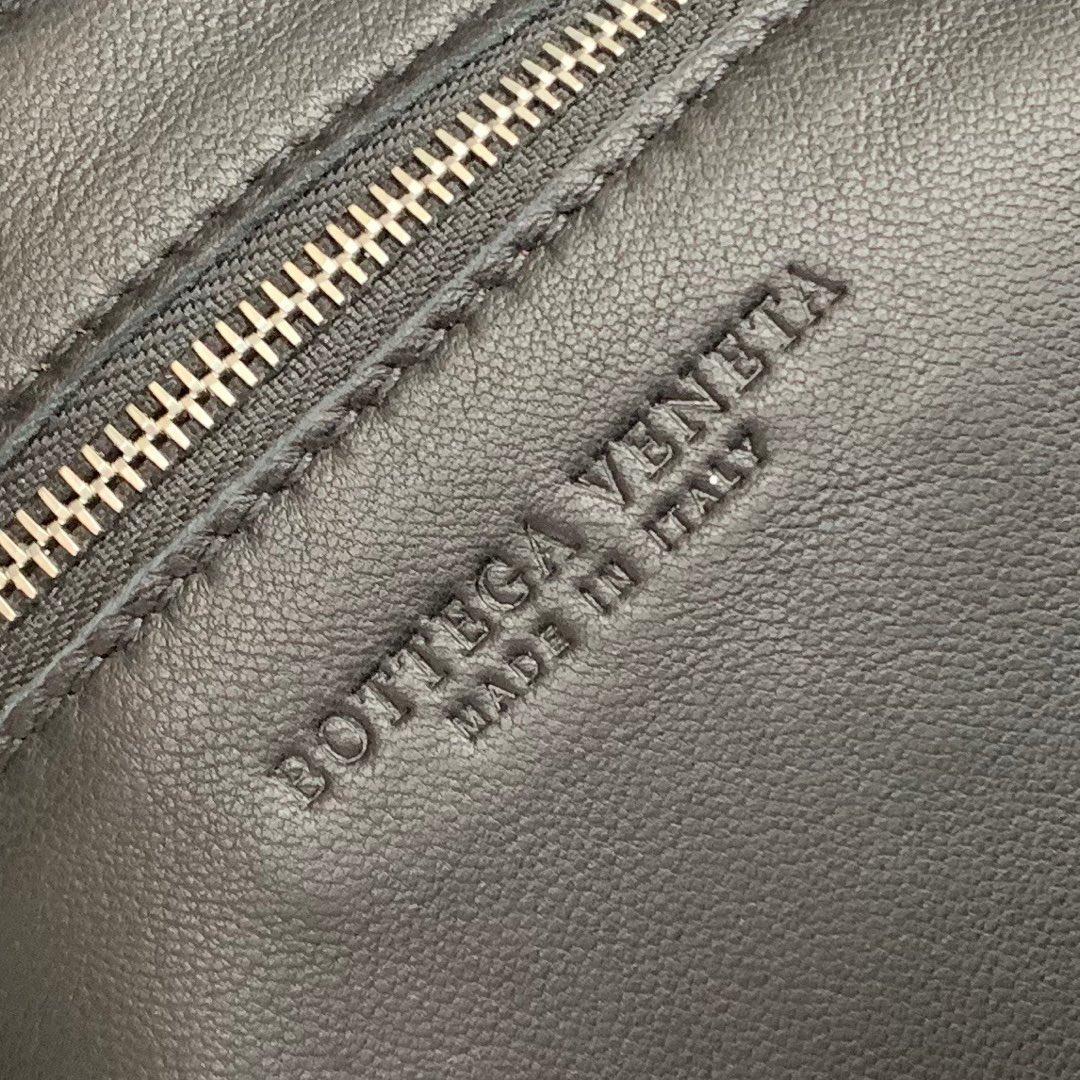 【P1620】新款手袋CASSETTE 编织 578004 尺寸23*15*5.5 黑色