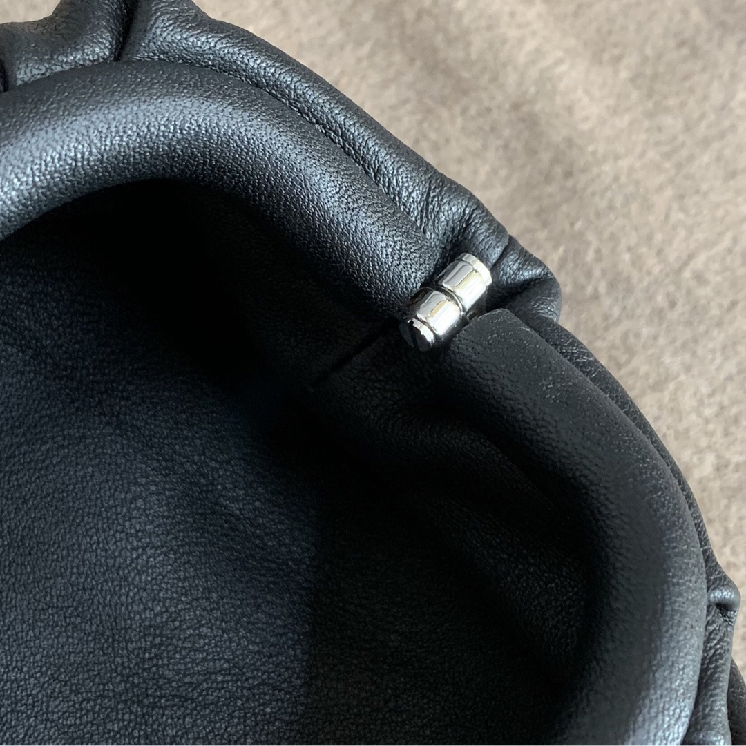"【P650】BUTTER mini吊坠 人气同款 Mini ""小妖精"" 7.5x13.5x4 编码577816 牛皮/黑色"
