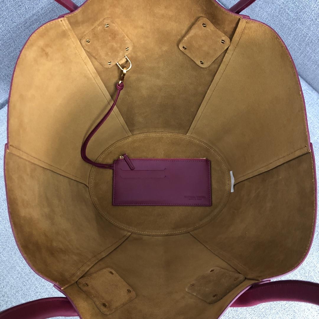 【P1950】新款 Bv Basket 576836牛皮/酒红 平纹 手提包