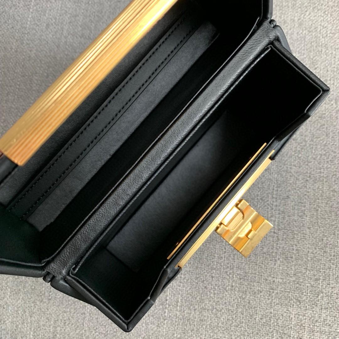 【P1200】Bottega新品 Dais硬盒包 18-19-5外牛皮/内羊皮黑色