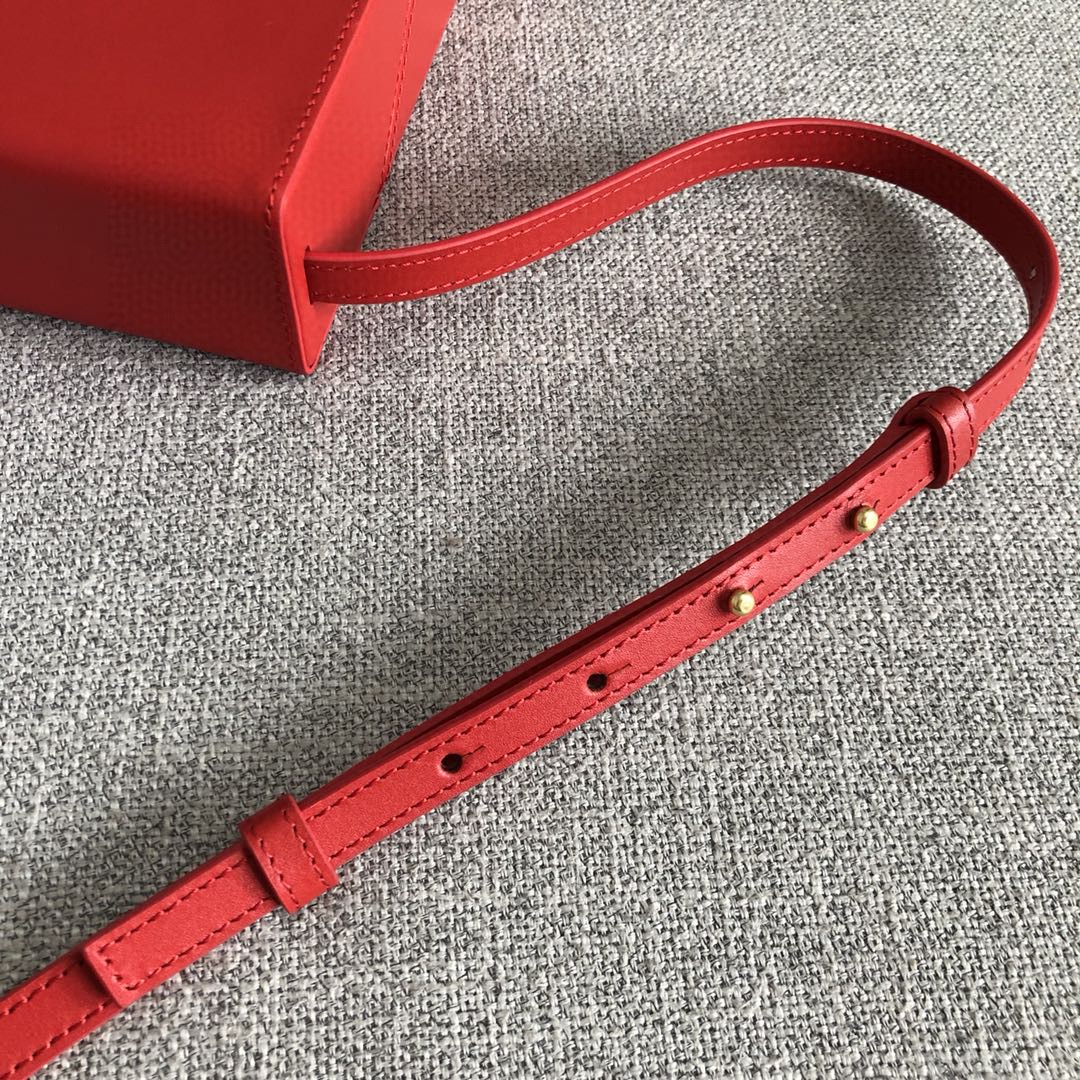 【P1200】Bottega新品 Dais硬盒包 18-19-5外牛皮/内羊皮大红色