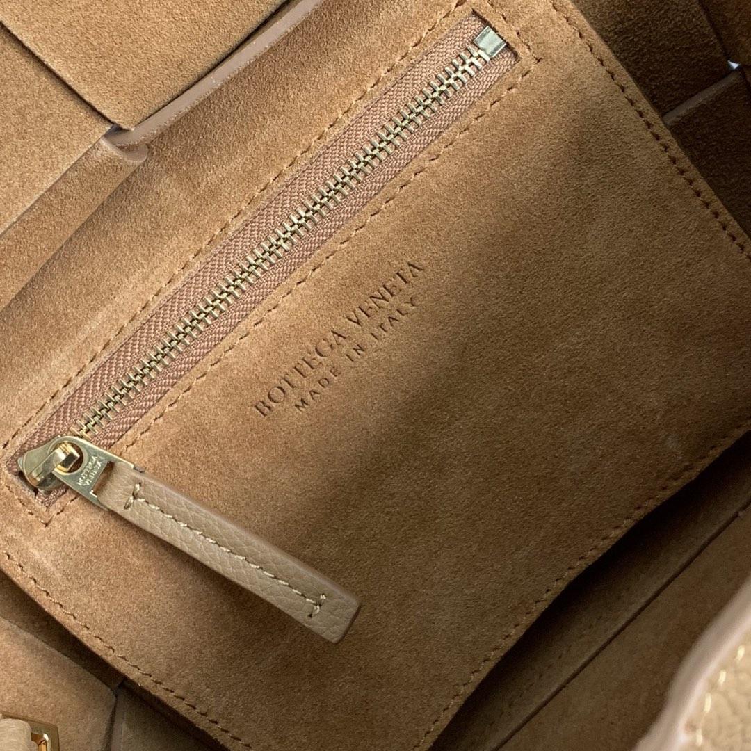 【P1430】Bottega Veneta Mini Arco购物袋 600606牛皮 荔枝纹 驼色 袋口28 底17.5宽8高17(不含手柄)