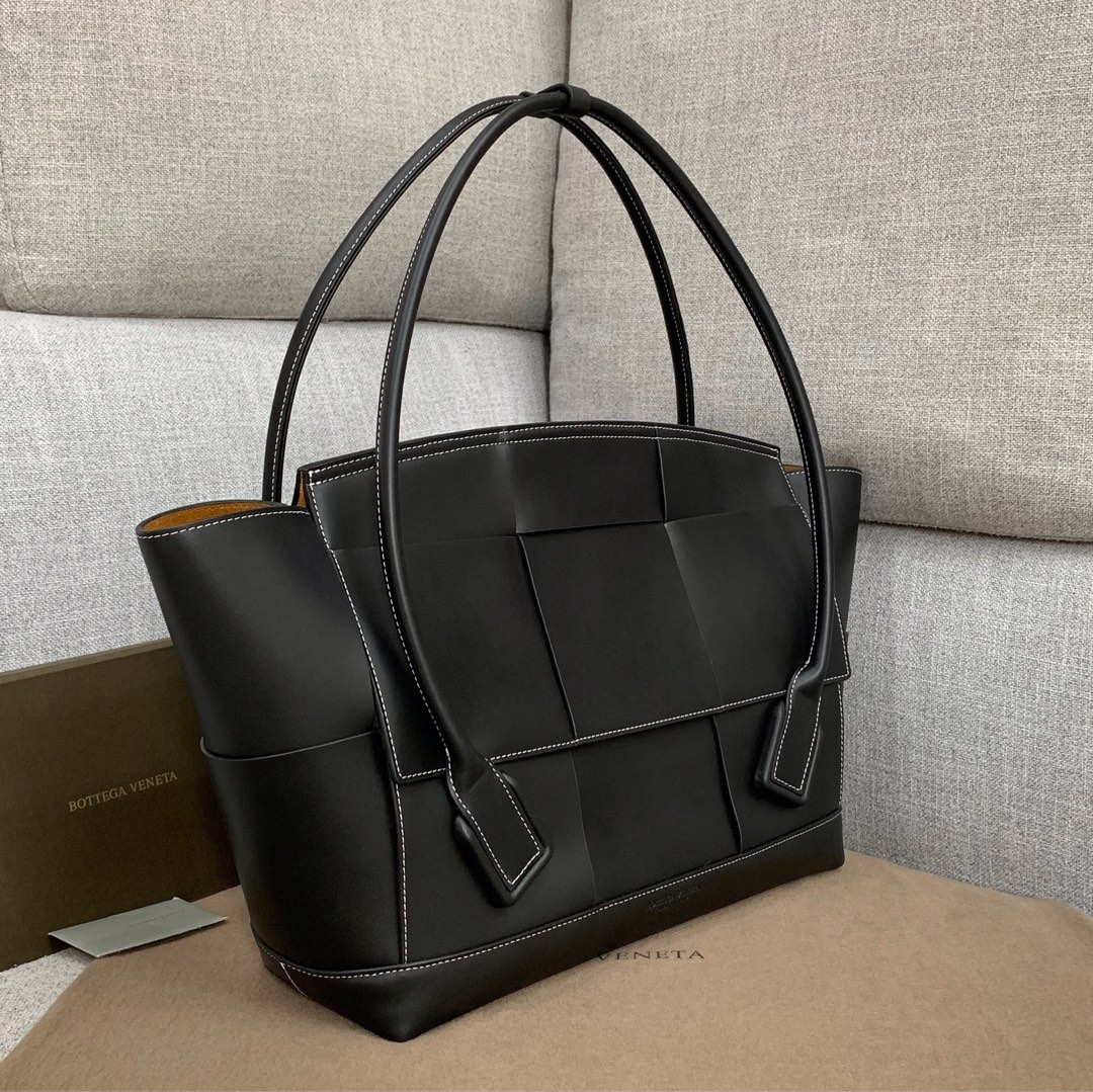 【P2850】Bv 大号Arco购物袋 573400 牛皮/黑色 袋口56 底37宽14(不含手柄)