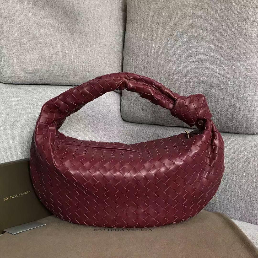 【P2370】宝缇嘉牛角包 现货 600263 编织羊皮 酒红 54-21-40
