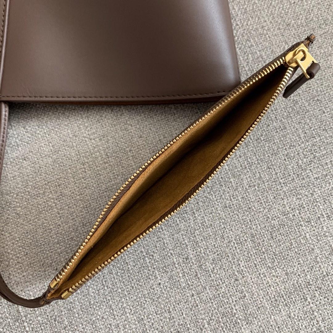 【P1950】新款 Bv Basket 576836牛皮/深咖 平纹 手提包