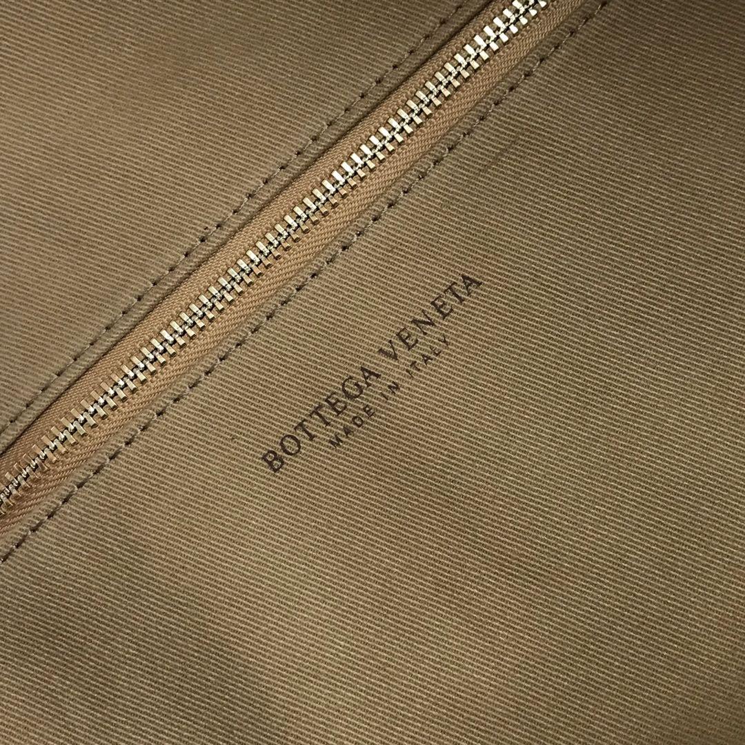 【P2370】BV现货 600263牛角包编织羊皮 灰色猄皮 54-21-40